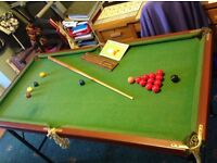 Folding Billiard and Snooker Table. (6ft x 3ft) Balls Included.