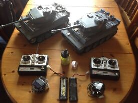 2 rc tanks