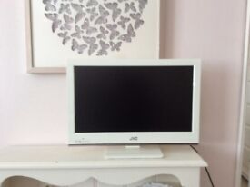 White JVC TV with DVD player