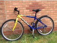 "Trek 800 Sport bike 16.5"" Frame 26"" wheels"