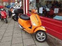 PIAGGIO VESPA 50cc S IN PIAGGIO SUN BLUSH.. 10 MONTHS MOT DELIVERY CAN BE ARRANGED IN TIME FOR XMAS