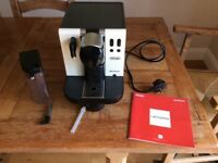 DeLonghi Lattissima EN660 Cream Coffee Machine, With Instruction Manual. VGC