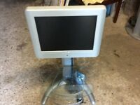 Hitachi 20 inch TV with stand