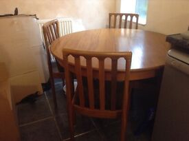 Retro Meredew dining table and chairs