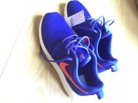 Nike trainers size 4 purple/ blue. New with tags