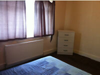 double room in white chapel £ 165 week all bills incluided