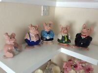 Wade Nat West pigs set of 5