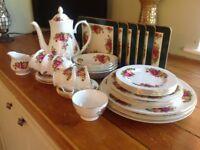 Vintage Dinner / Tea Set 36 Pieces