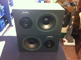ALESSIS MONITOR 1 200W SPEAKERS