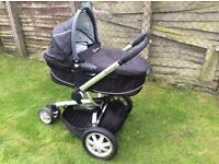 QUINNY PUSH CHAIR FOR SALE USED IN GOOD CONDITION !!
