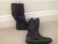 Jones brown boots size 33 ( size 1)