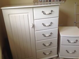 Tall boy and 2 bedside tables for sale
