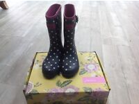 Girls joules Wellingtons - size 2
