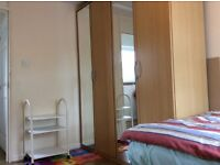 Double room for working professional, close to Addenbrooke's and Mill road, available immediately