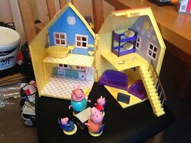 Peppa pig house in good condition