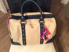 PAUL'S BOUTIQUE LARGE CREAM AND NAVY HANDBAG