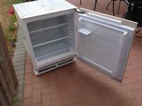 Essentials UBBU60LFA integrated under counter larder fridge