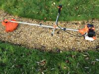 Petrol Strimmer / Brush Cutter with Spare Strimmer Spool Heads in VGC