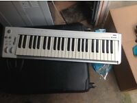 Korg 49 midi keyboard no power lead