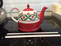 Large teapot, Whittard of Chelsea, excellent condition.