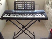 Yamaha keyboard E213