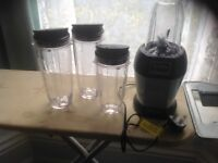 For sale ninja blender, professional colour blue, c/w 3 beakers as new