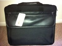 Targus TL Universal Laptop Bag - New With Tags