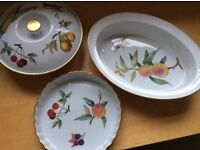 Royal Worcester Evesham Gold fine porcelain ovenware. 3 pieces but could be bought separately