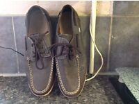 MENS CEDAR WOOD LACE UP LOAFERS SIZE 12. IN EXCELLENT CONDITION
