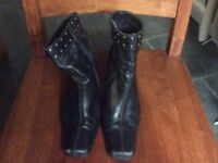 Black heeled ankle boots size 4