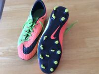 Nike skin hyperventilating sports trainers size 9 good con.green &Nora get £6