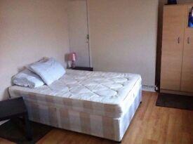3 twin/double/triple rooms max 3-4 mint Bethnal green, Whitechapel, Old street, Liverpool street.