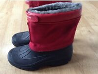 Brand new warm snow boots/ mucker boots size 7, fur lined
