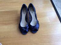 Ladies Navy Lace peep toe shoes size 8