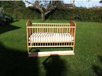 Mamas and papas Hayworth cot/ toddler bed