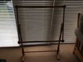 Floor standing tapestry/embroidery frame