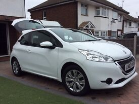 Peugeot 208. 1.2. Only 22000 miles from new. Owned from brand new