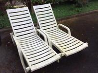 Plastic garden chairs recliners on wheels