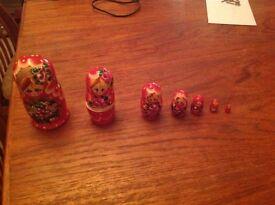 Red Russian doll set, 7 dolls