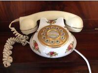 Royal Albert Country Roses Telephone