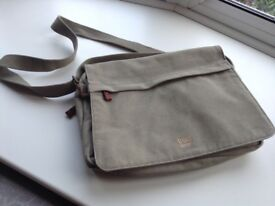 Troop man bag/satchel/ laptop bag cost £40 sell for £10 tel 07966921804