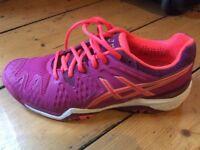 ASICS gel resolution ladies tennis shoes. Size 7 UK 9US