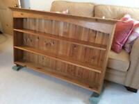 Beautiful, wall mounted pine bookcase with 2 shelves in excellent condition