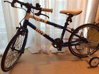Hoy Meadowbank kids bike . As NEW