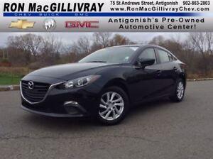 2015 Mazda MAZDA3 GX..Low KM..$121 B/W Tax Inc..GM Certified