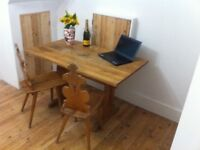 Fantastic dining table and four chairs