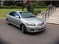 56 TOYOTA AVENSIS HATCHBACK SILVER COLOUR WITH SERVICE HISTORY TILL 61,000 MILE