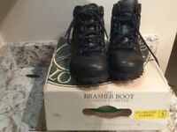 Chris Brasher Hillmaster Classic walking boots - size 5