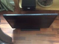 """Toshiba 32"""" LCD TV,2014 model, Spares or Repairs, £15"""