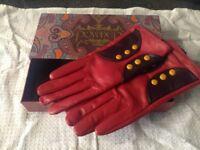 Powder leather ladies gloves